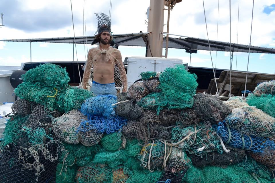 Captain fishnets Flotsam